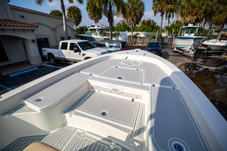 Thumbnail 38 for Used 2014 Pathfinder 2600 HPS Bay Boat boat for sale in West Palm Beach, FL
