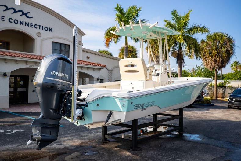 Thumbnail 10 for Used 2014 Pathfinder 2600 HPS Bay Boat boat for sale in West Palm Beach, FL