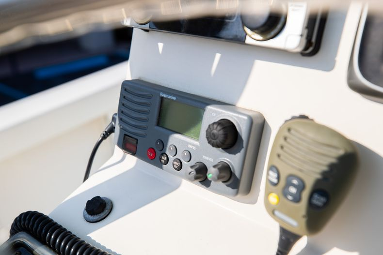 Thumbnail 29 for Used 2014 Pathfinder 2600 HPS Bay Boat boat for sale in West Palm Beach, FL