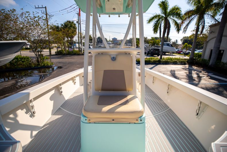 Thumbnail 44 for Used 2014 Pathfinder 2600 HPS Bay Boat boat for sale in West Palm Beach, FL