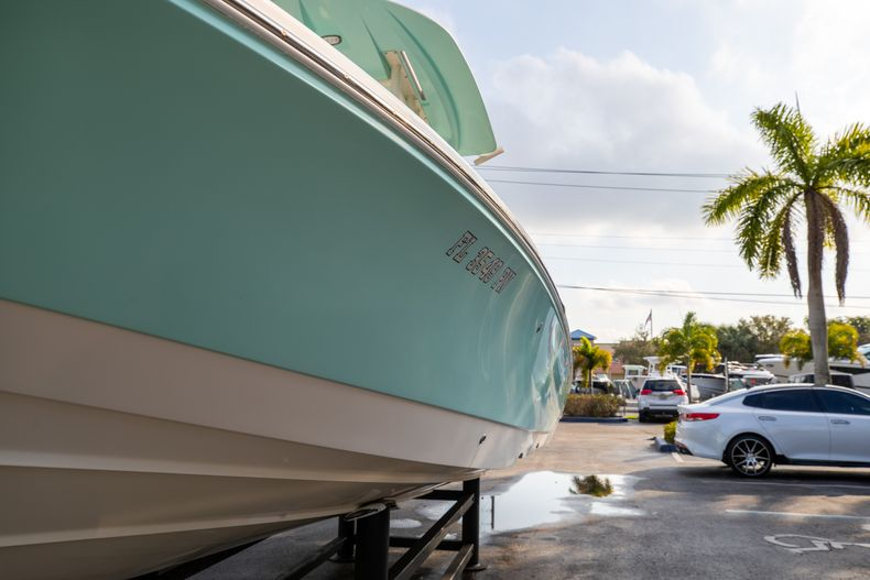 Thumbnail 5 for Used 2014 Pathfinder 2600 HPS Bay Boat boat for sale in West Palm Beach, FL
