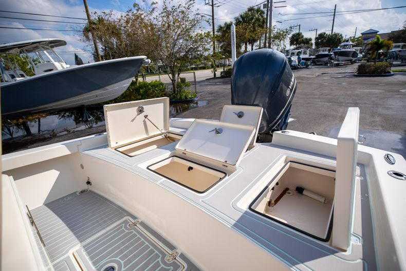 Thumbnail 16 for Used 2014 Pathfinder 2600 HPS Bay Boat boat for sale in West Palm Beach, FL