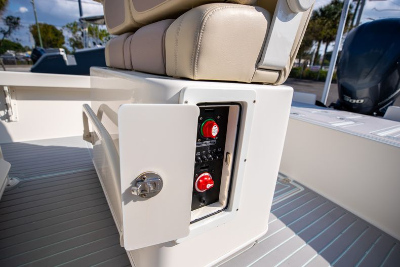 Thumbnail 24 for Used 2014 Pathfinder 2600 HPS Bay Boat boat for sale in West Palm Beach, FL