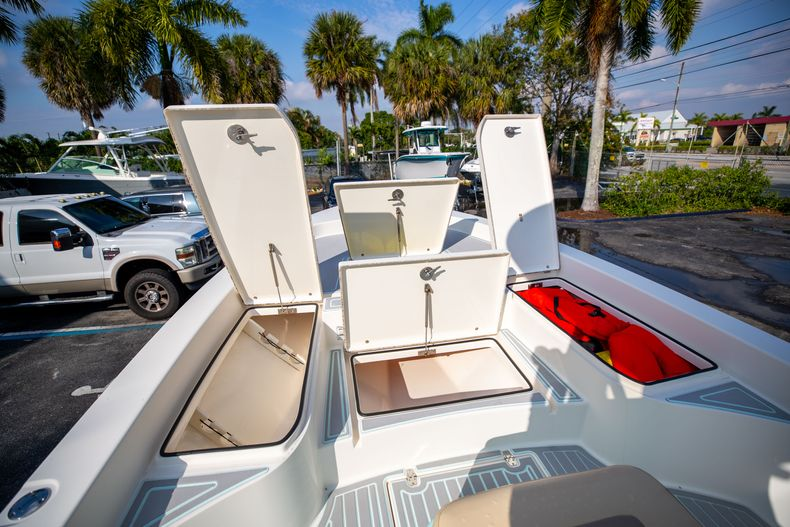 Thumbnail 41 for Used 2014 Pathfinder 2600 HPS Bay Boat boat for sale in West Palm Beach, FL