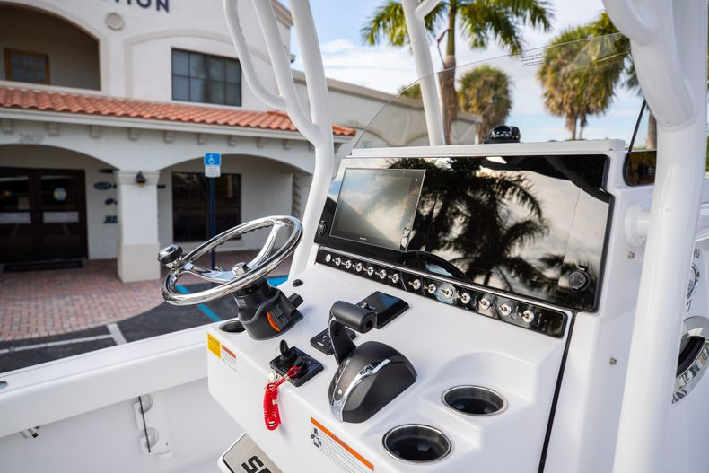 Thumbnail 20 for New 2021 Sportsman Masters 247 Bay Boat boat for sale in West Palm Beach, FL