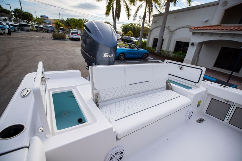 Thumbnail 10 for New 2021 Sportsman Masters 247 Bay Boat boat for sale in West Palm Beach, FL