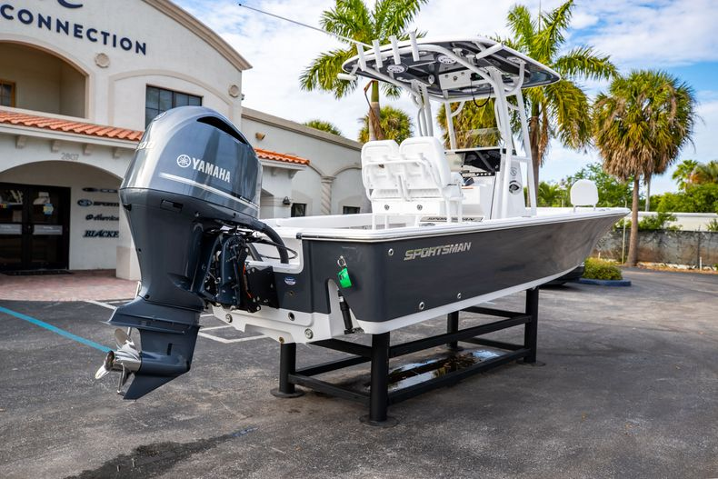 Thumbnail 7 for New 2021 Sportsman Masters 247 Bay Boat boat for sale in West Palm Beach, FL