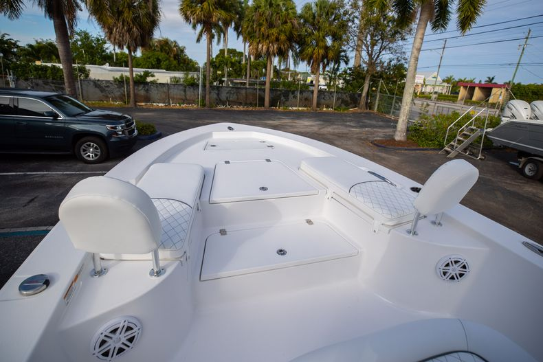 Thumbnail 33 for New 2021 Sportsman Masters 247 Bay Boat boat for sale in West Palm Beach, FL