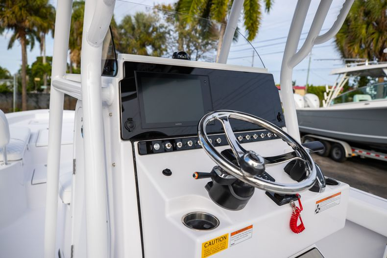 Thumbnail 24 for New 2021 Sportsman Masters 247 Bay Boat boat for sale in West Palm Beach, FL