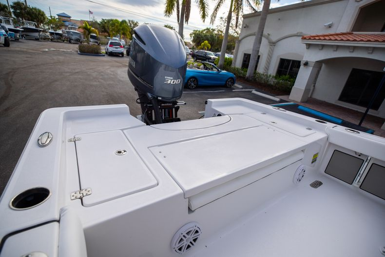 Thumbnail 9 for New 2021 Sportsman Masters 247 Bay Boat boat for sale in West Palm Beach, FL