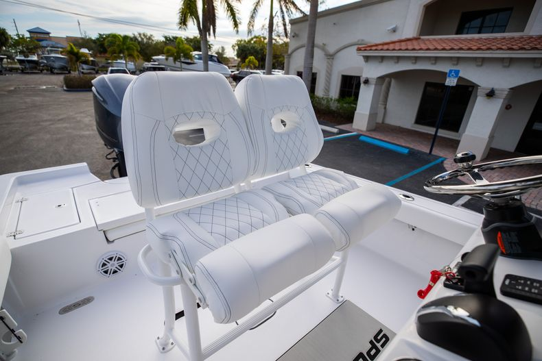 Thumbnail 26 for New 2021 Sportsman Masters 247 Bay Boat boat for sale in West Palm Beach, FL