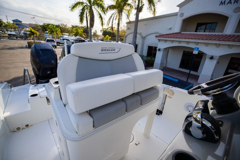 Image 39 for 2016 Boston Whaler 270 Dauntless in West Palm Beach, FL