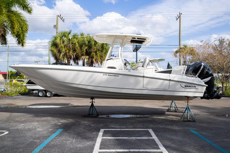 Image 6 for 2016 Boston Whaler 270 Dauntless in West Palm Beach, FL