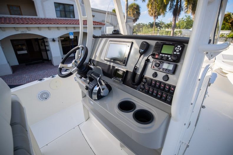Image 32 for 2016 Boston Whaler 270 Dauntless in West Palm Beach, FL