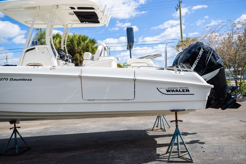 Image 7 for 2016 Boston Whaler 270 Dauntless in West Palm Beach, FL