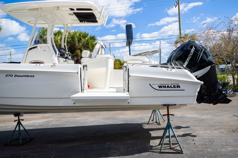 Image 8 for 2016 Boston Whaler 270 Dauntless in West Palm Beach, FL