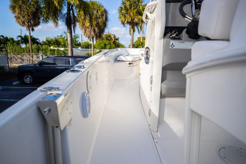 Image 27 for 2016 Boston Whaler 270 Dauntless in West Palm Beach, FL