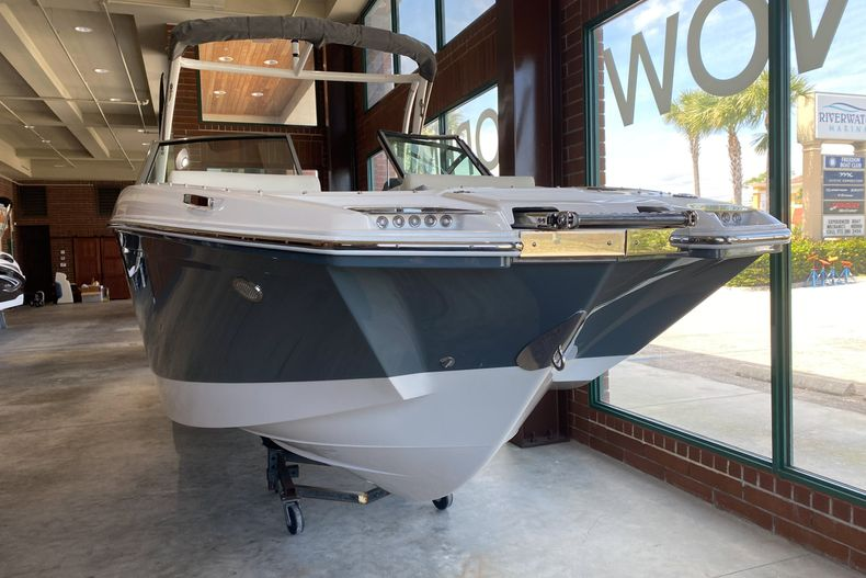 Thumbnail 2 for New 2021 Cobalt 23SC boat for sale in West Palm Beach, FL