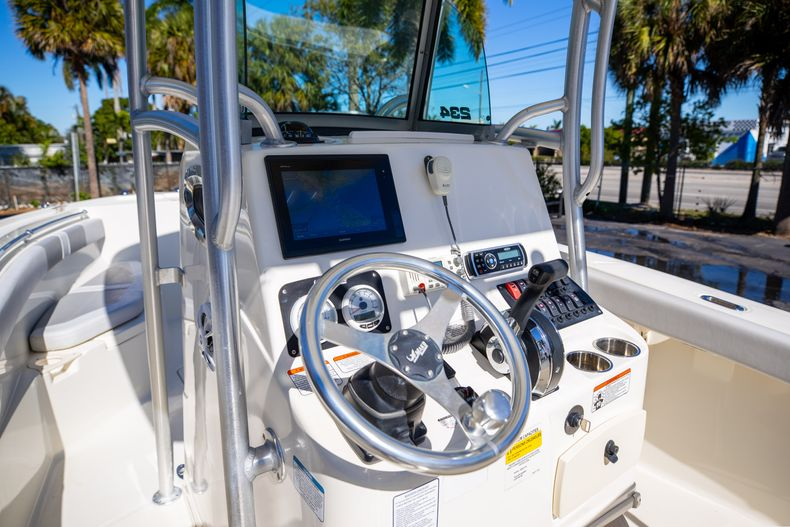 Thumbnail 40 for Used 2019 Mako 234 CC boat for sale in West Palm Beach, FL