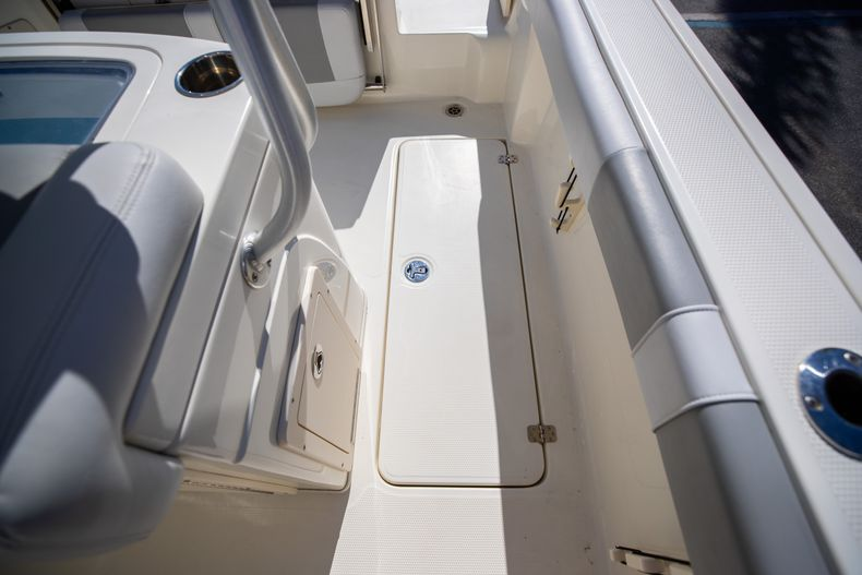 Thumbnail 28 for Used 2019 Mako 234 CC boat for sale in West Palm Beach, FL