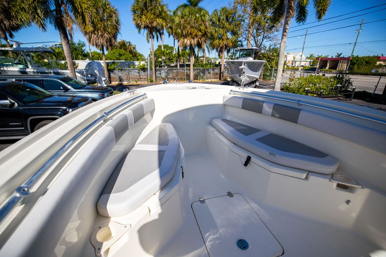 Thumbnail 49 for Used 2019 Mako 234 CC boat for sale in West Palm Beach, FL