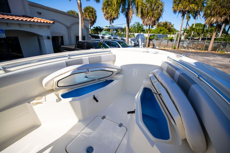 Thumbnail 48 for Used 2019 Mako 234 CC boat for sale in West Palm Beach, FL