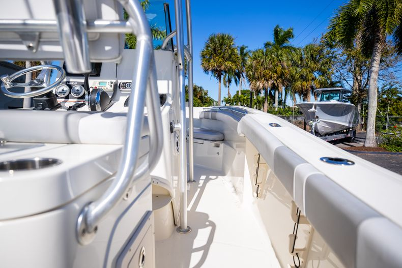 Thumbnail 20 for Used 2019 Mako 234 CC boat for sale in West Palm Beach, FL