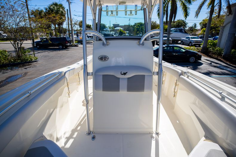 Thumbnail 55 for Used 2019 Mako 234 CC boat for sale in West Palm Beach, FL