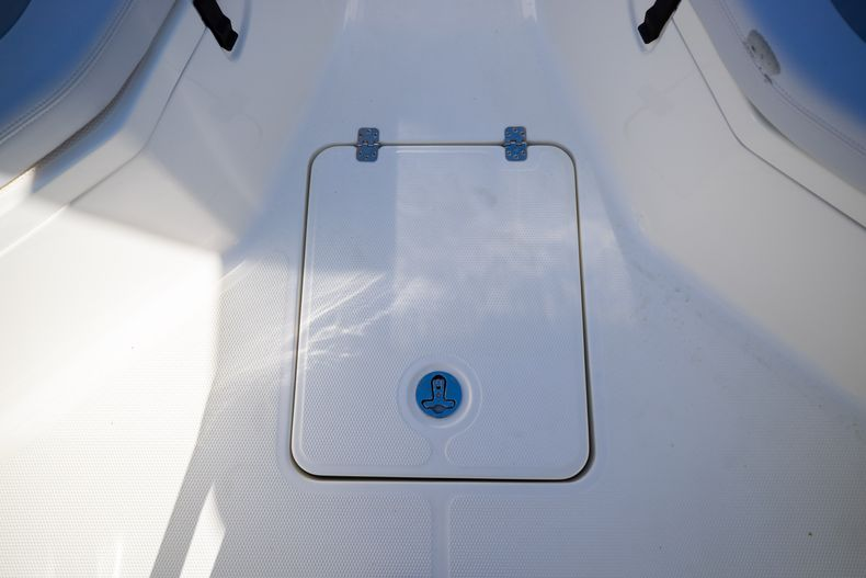 Thumbnail 51 for Used 2019 Mako 234 CC boat for sale in West Palm Beach, FL