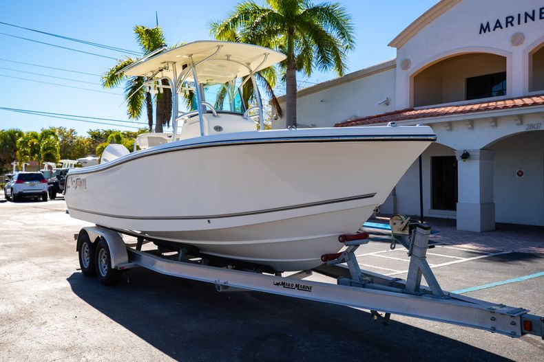 Thumbnail 1 for Used 2019 Mako 234 CC boat for sale in West Palm Beach, FL