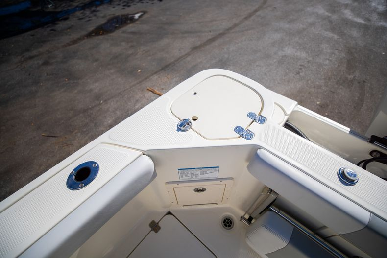 Thumbnail 13 for Used 2019 Mako 234 CC boat for sale in West Palm Beach, FL
