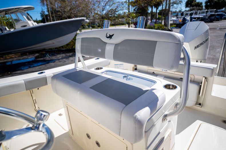 Thumbnail 42 for Used 2019 Mako 234 CC boat for sale in West Palm Beach, FL