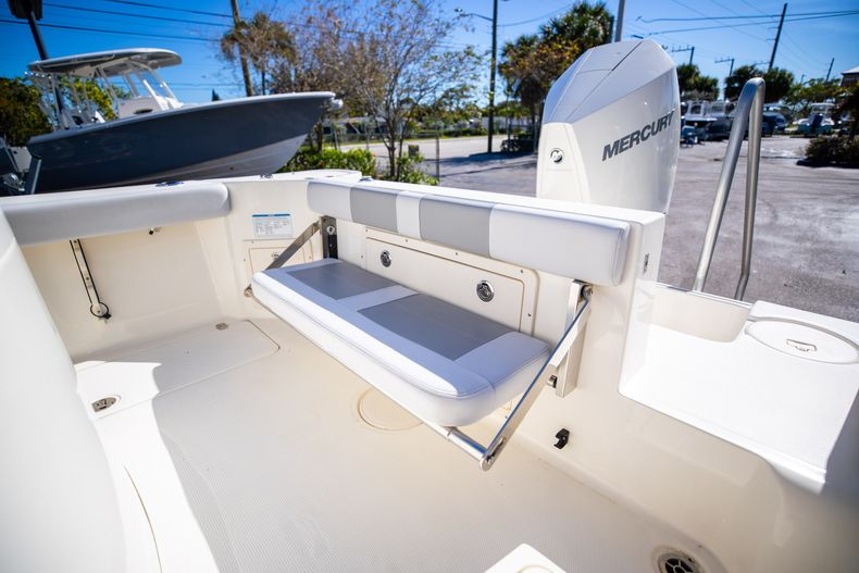 Thumbnail 19 for Used 2019 Mako 234 CC boat for sale in West Palm Beach, FL