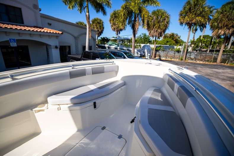 Thumbnail 47 for Used 2019 Mako 234 CC boat for sale in West Palm Beach, FL
