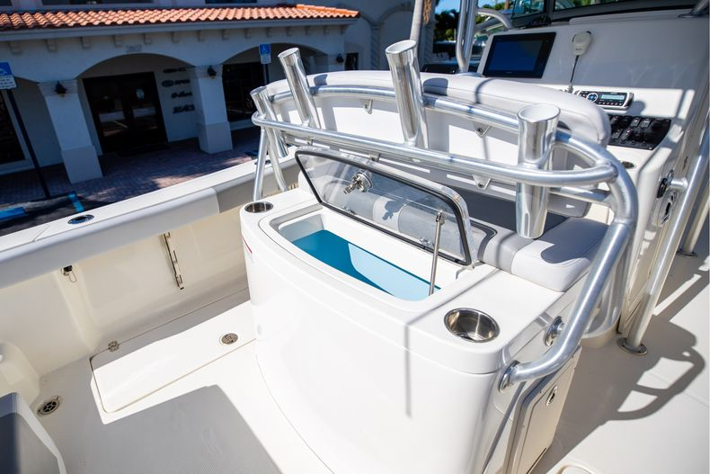 Thumbnail 26 for Used 2019 Mako 234 CC boat for sale in West Palm Beach, FL