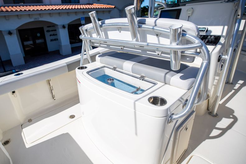 Thumbnail 25 for Used 2019 Mako 234 CC boat for sale in West Palm Beach, FL