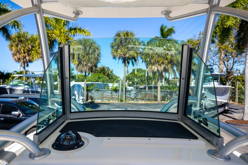 Thumbnail 39 for Used 2019 Mako 234 CC boat for sale in West Palm Beach, FL