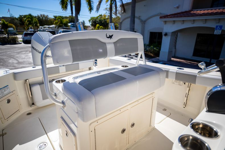Thumbnail 41 for Used 2019 Mako 234 CC boat for sale in West Palm Beach, FL