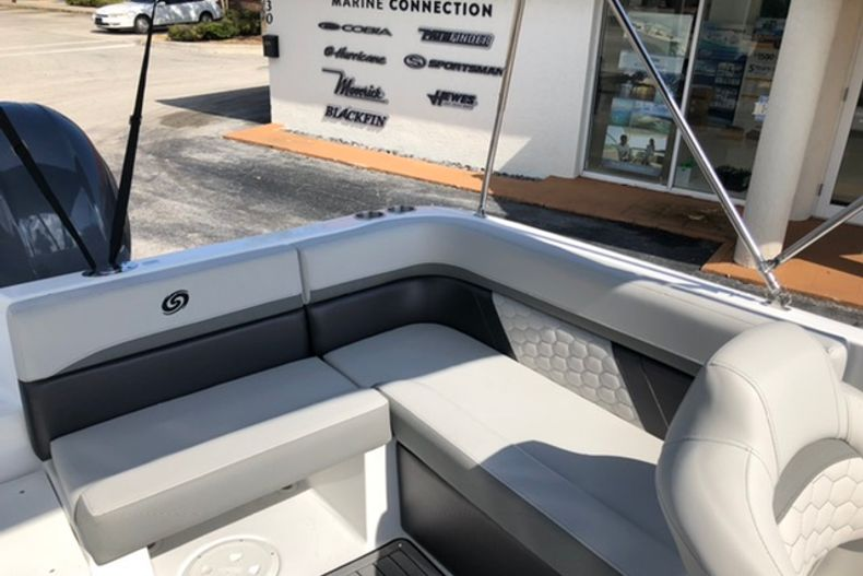Image 16 for 2021 Hurricane SunDeck Sport SS 218 OB in Vero Beach, FL