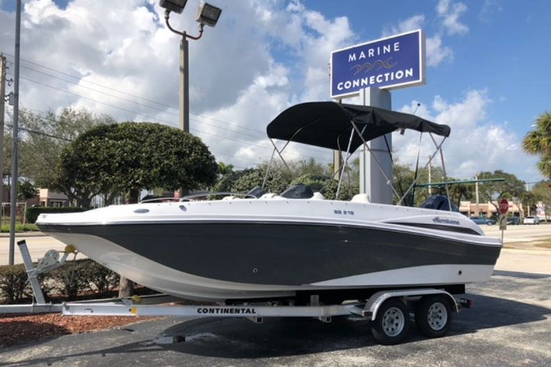 Image 0 for 2021 Hurricane SunDeck Sport SS 218 OB in Vero Beach, FL