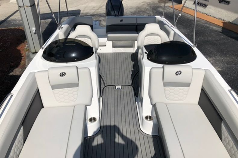 Image 13 for 2021 Hurricane SunDeck Sport SS 218 OB in Vero Beach, FL