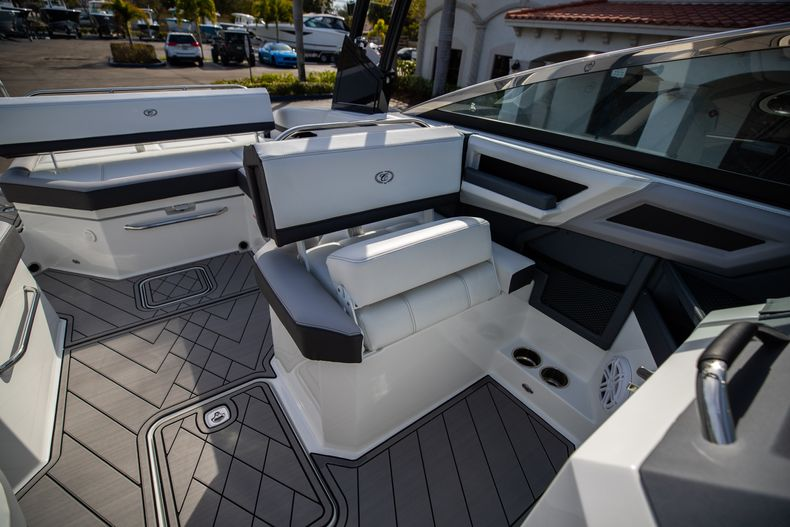 Thumbnail 47 for New 2021 Cobalt R6 boat for sale in Miami, FL
