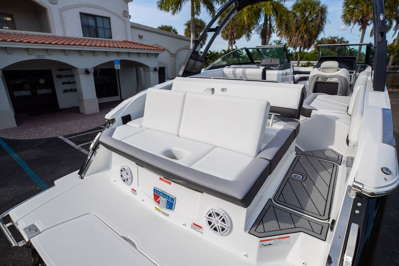 Thumbnail 17 for New 2021 Cobalt R6 boat for sale in Miami, FL