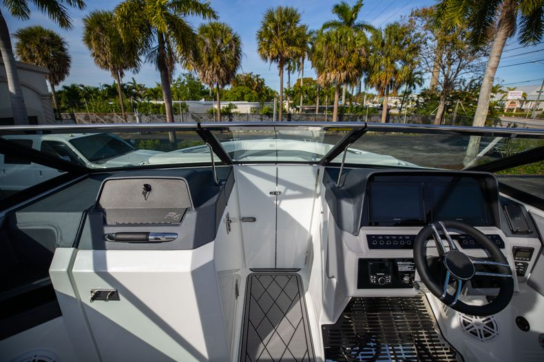 Thumbnail 53 for New 2021 Cobalt R6 boat for sale in Miami, FL