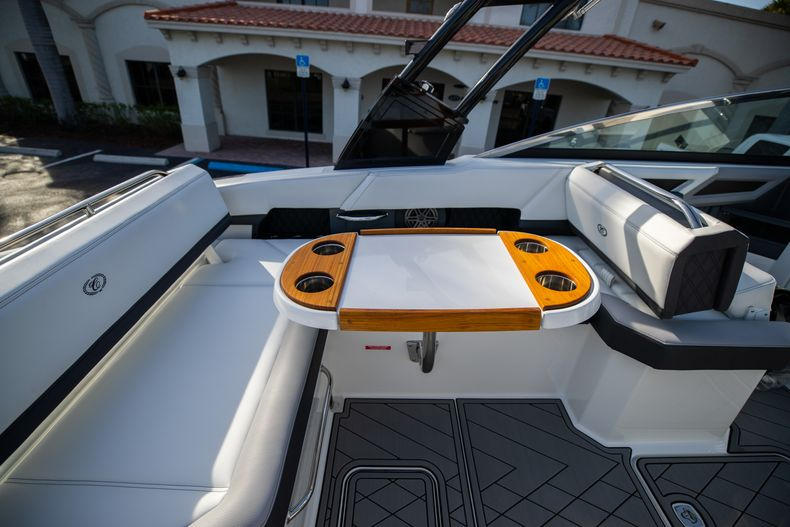 Thumbnail 29 for New 2021 Cobalt R6 boat for sale in Miami, FL