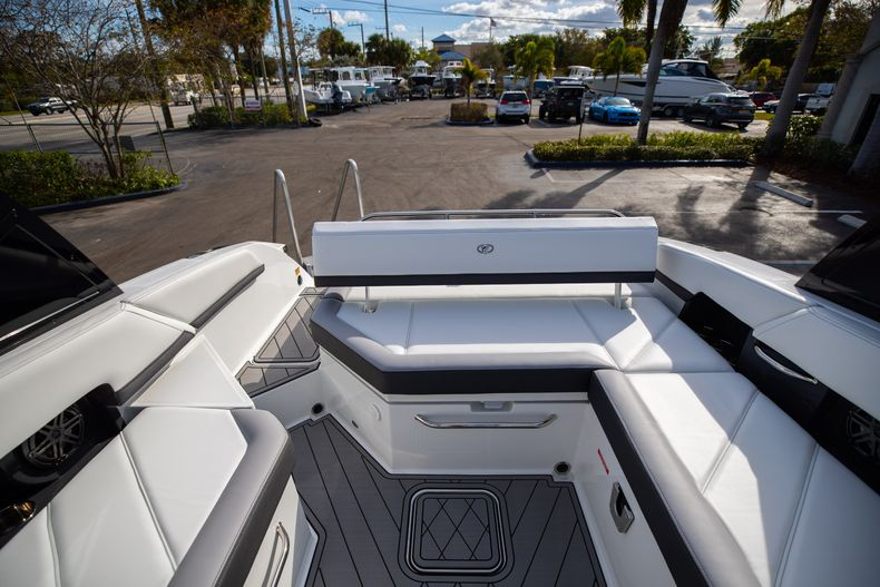 Thumbnail 24 for New 2021 Cobalt R6 boat for sale in Miami, FL