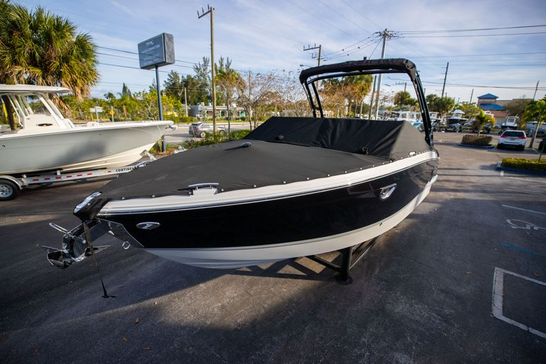 Thumbnail 7 for New 2021 Cobalt R6 boat for sale in Miami, FL