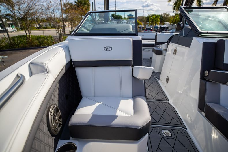 Thumbnail 58 for New 2021 Cobalt R6 boat for sale in Miami, FL