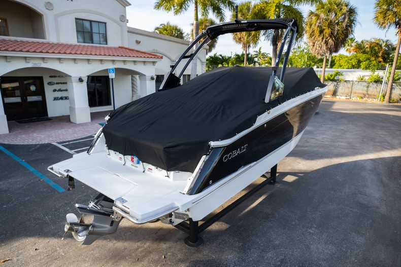 Thumbnail 15 for New 2021 Cobalt R6 boat for sale in Miami, FL