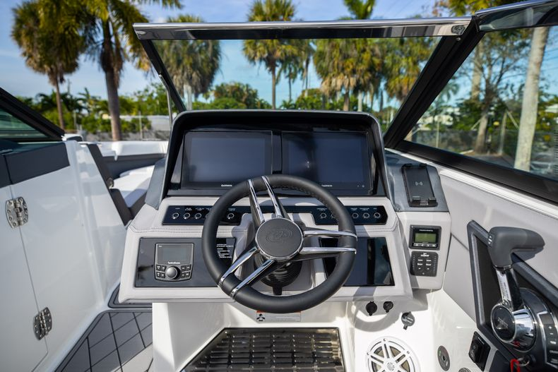 Thumbnail 36 for New 2021 Cobalt R6 boat for sale in Miami, FL